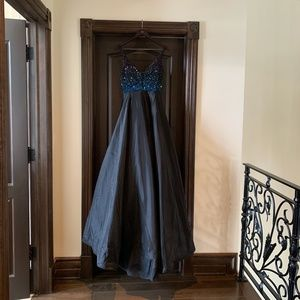 Sherri Hill Beautiful Gown Size 4